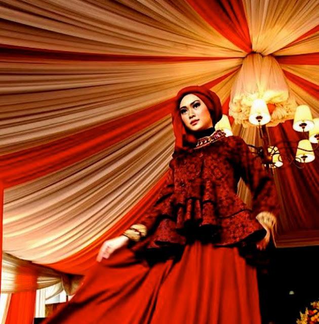 Model Baju Muslim Modern Dengan Kesan Elegan Dan Mewah