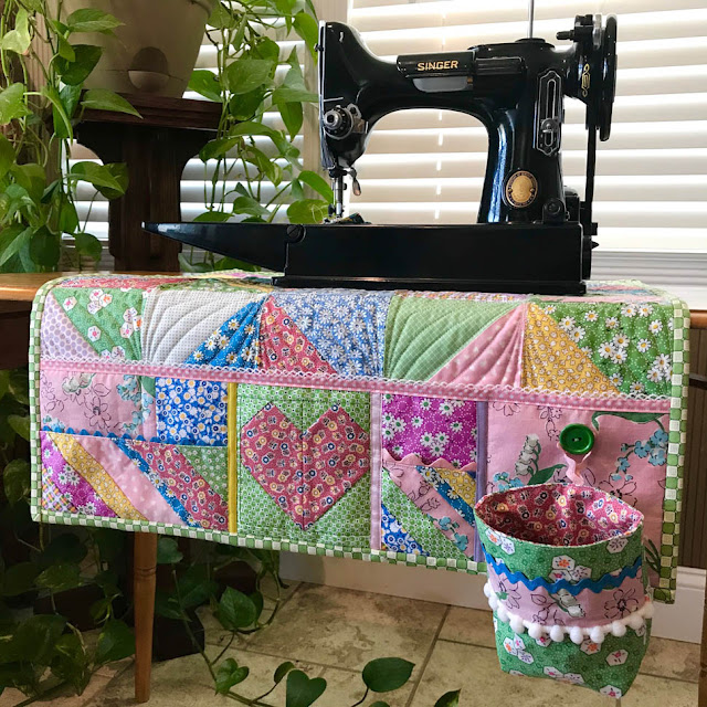 Ugly Duckling Challenge - Sewing Machine Mat by Thistle Thicket Studio. www.thistlethicketstudio.com