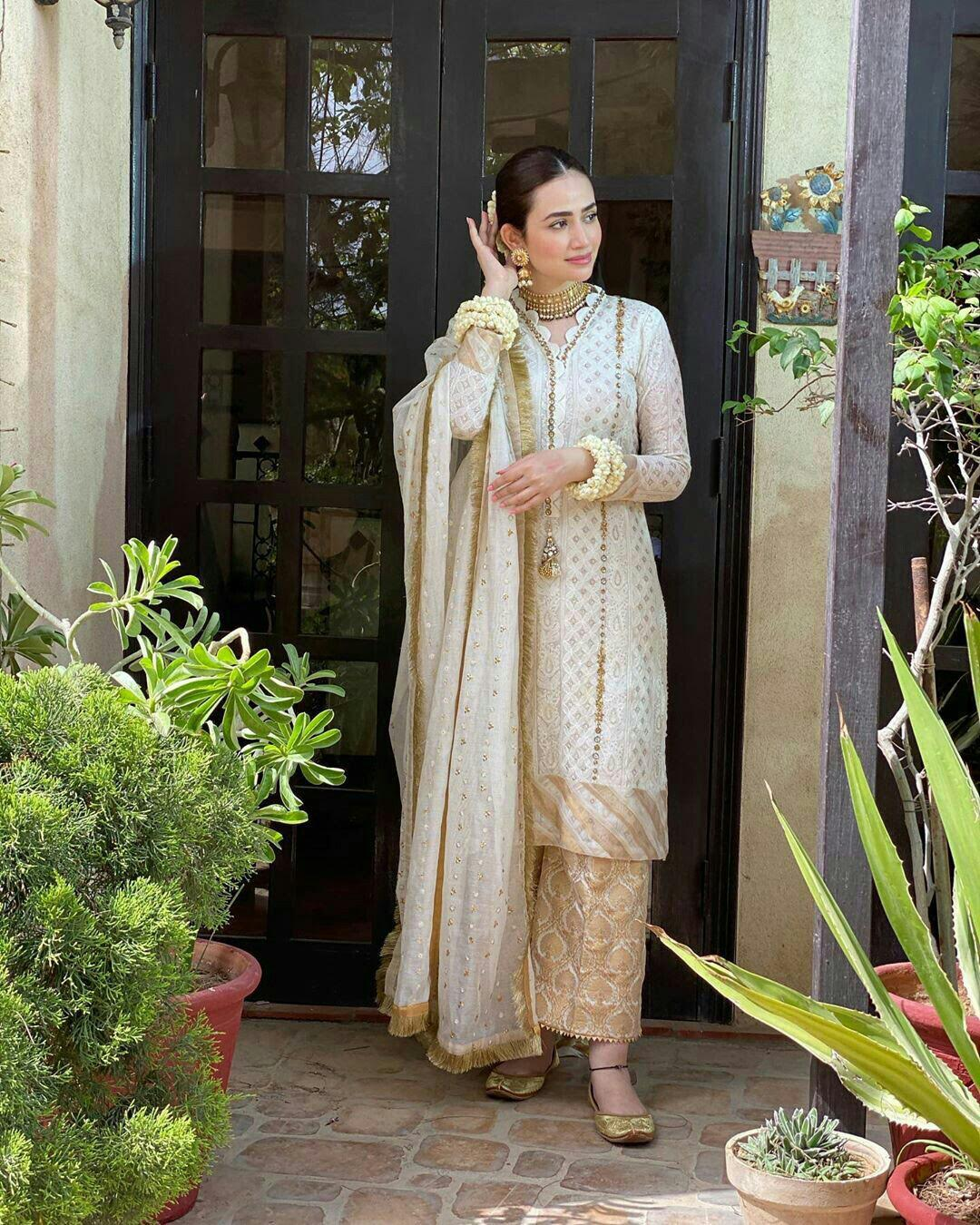 Sana Javed Pretty Pictures from Eid Day