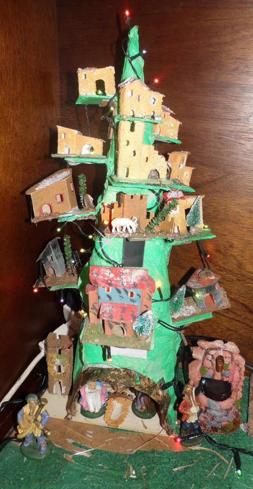 L 39 angolo di daggry albero di natale fai da te for Casette per conigli fai da te
