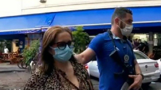"""Covid-19: Polícia conclui que auxiliar de enfermagem que aplicou """"vacina de vento"""" em uma idosa de 85 anos, desviou imunizante"""