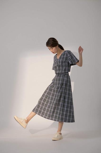 午後野遊跳舞格紋中長裙