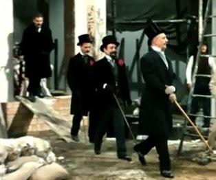 uomini in cilindro