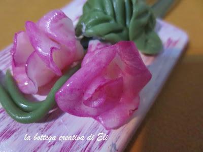 http://labottegacreativadieli.blogspot.it/2015/04/un-piccolo-gessetto-fiorito-per-la-mamma.html