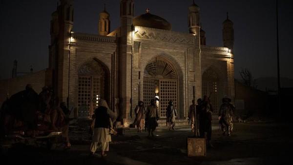 Serangan ISIS ke Masjid Kabul Dibalas Taliban Habis-habisan