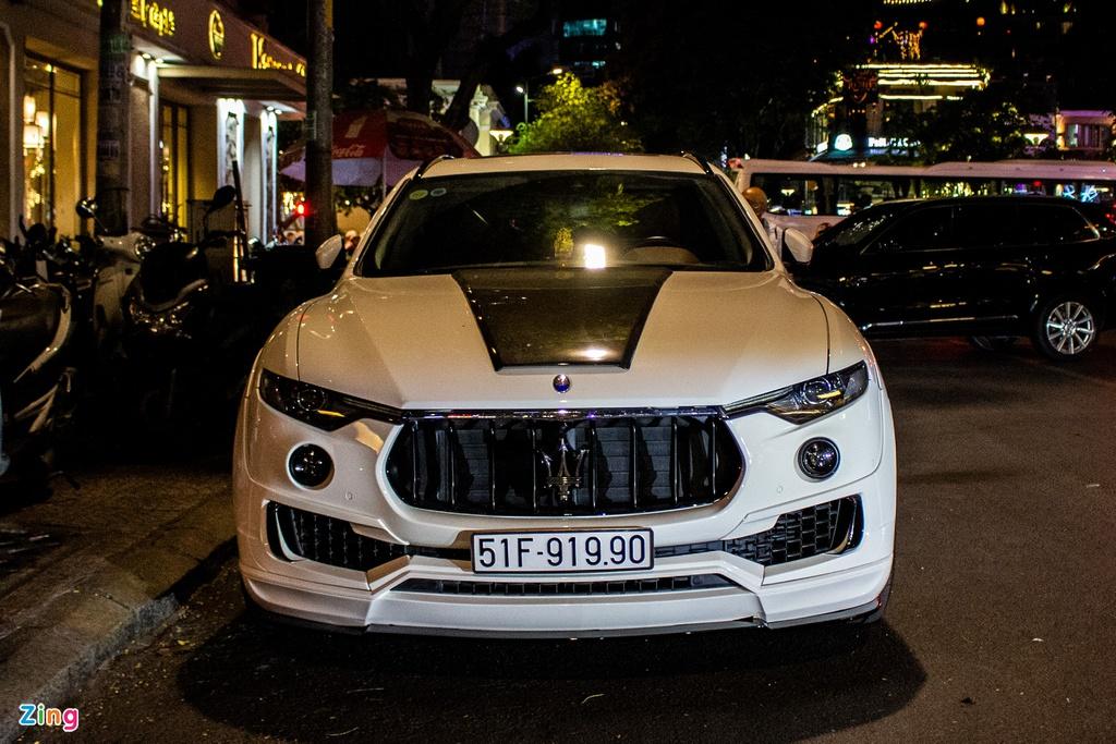 Maserati Levante độ thân rộng Novitec độc nhất Việt Nam