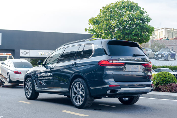 BMW X7 2020 chính hãng thêm trang bị, giảm giá sâu, cạnh tranh Mercedes-Benz GLS, Lexus LX 570 và cả xe nhập tư