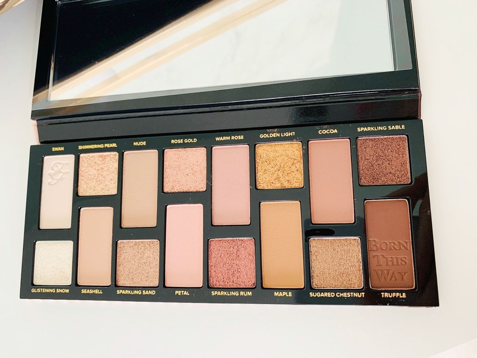 Born This Way The Natural Nudes Skin-Centric Eye Shadow