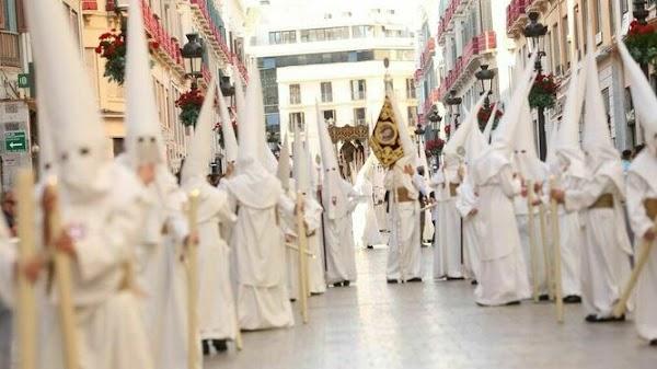 El rey Felipe VI traslada su ánimo a las cofradías de la Semana Santa