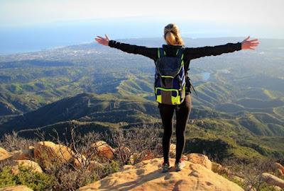 Tips Mendaki Gunung Buat Para Wanita