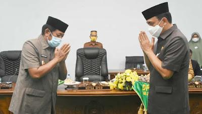 Rapat Paripurna, Bupati Soppeng Serahkan Dua Ranperda ke Ketua DPRD