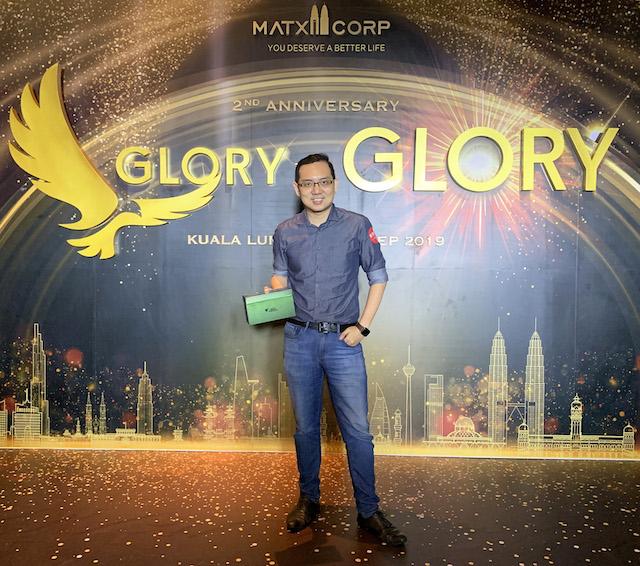 Glory to Glory!