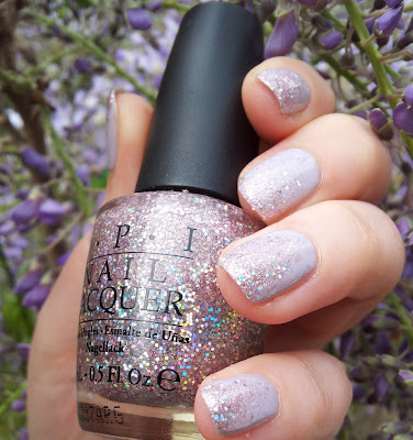 Nageldesign in Eiscremefarben: essie Nice is nice & OPI Teenage dream