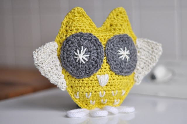 http://www.julypouce.fr/tutoriel-hibou-au-crochet/