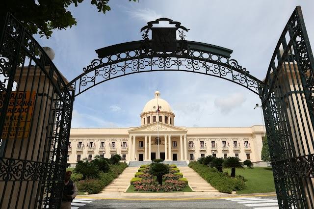 Presidente Medina envía anteproyecto de Ley de Cualificaciones al Congreso