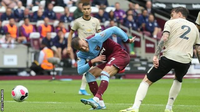 EPL: West Ham defeat Manchester United