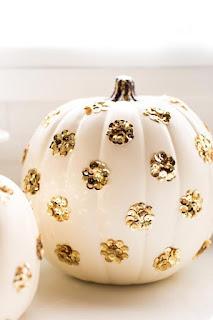 20 Idee Per Decorare Le Zucche Di Halloween Fai-da-te: paillettes