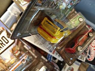 hot wheels boulevard porsche yellow bird