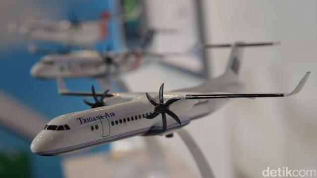 Beli Official Hoodie Pesawat R80 #TerbangkanPesawatIndonesia