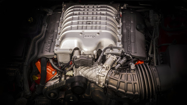 Jeep Grand Cherokee Trackhawk 2018: SUV com 707 cv