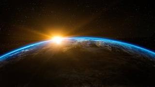 Επιστήμονες θέλουν να βάλουν «αντηλιακό» στη Γη για την κλιματική αλλαγή