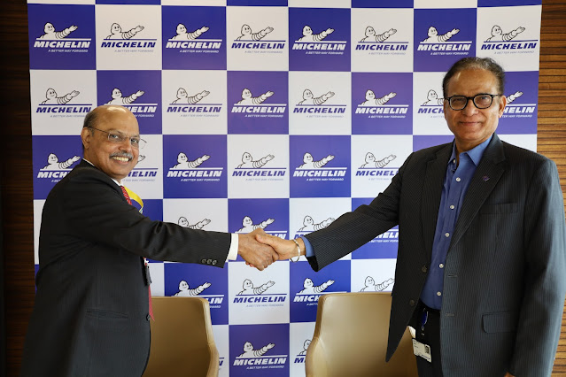 M.S. Unnikrishnan, CEO IITB-Monash Research Academy and Dr. Arun Jaura Managing Director Michelin India Technology Centre India