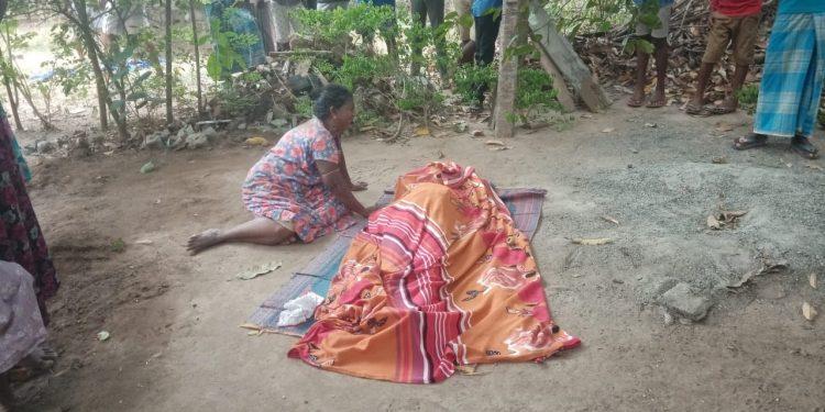 வவுனியாவில் 19 வயதுடைய இளம் பெண் சடலமாக கண்டெடுப்பு!!!