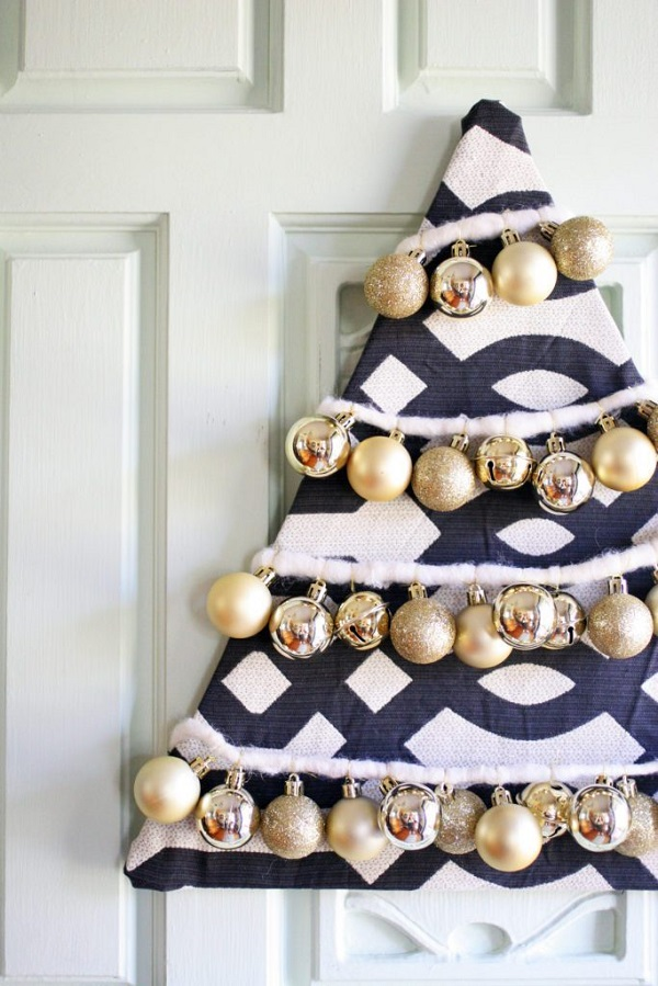 DIY Christmas Tree Wreath