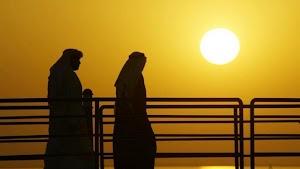 Kuwait arde, llegan a 63 grados centígrados.