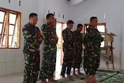Usai Direnovasi Satgas TMMD Ke-111, Brigjen TNI Djashar Djamil Sholat Dzuhur Di Masjid Tola