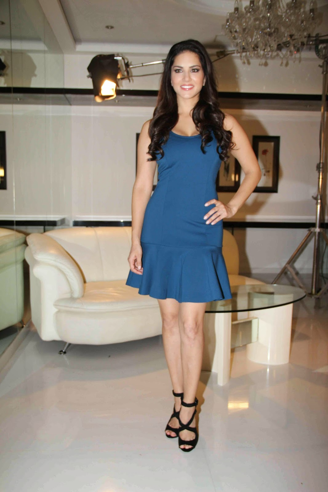 High Quality Bollywood Celebrity Pictures Sunny Leone -9138