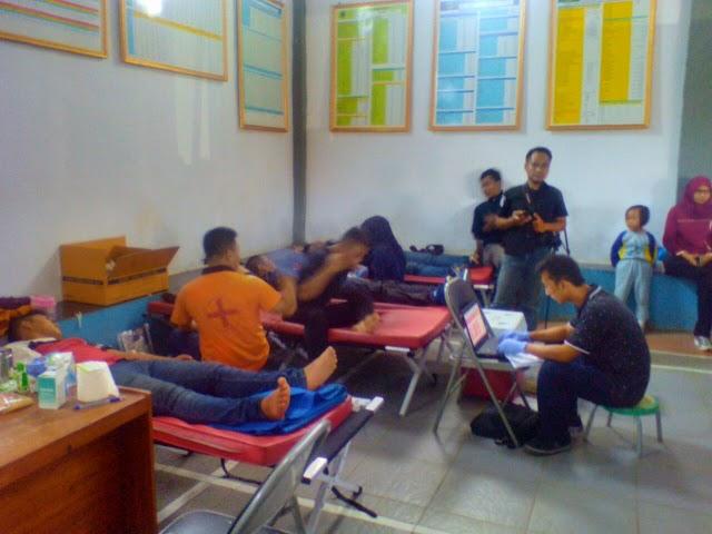 Relawan Acep Purnama Gelar Pengobatan Gratis dan Donor Darah