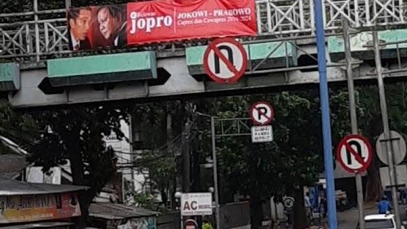 Spanduk 'Jopro Jokowi-Prabowo' Bertebaran di Jaksel
