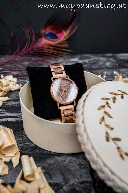 Schmuckdose mit Armbanduhr