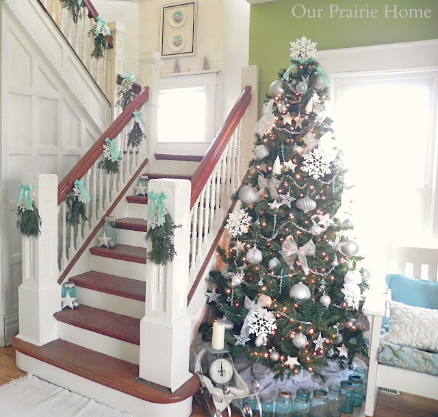 Dollar Tree Christmas Link Party Features (and 100+ Ideas
