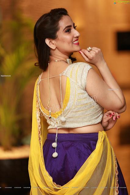 Sexy Anchor Manjusha Latest Half Saree Photo Stills Navel Queens