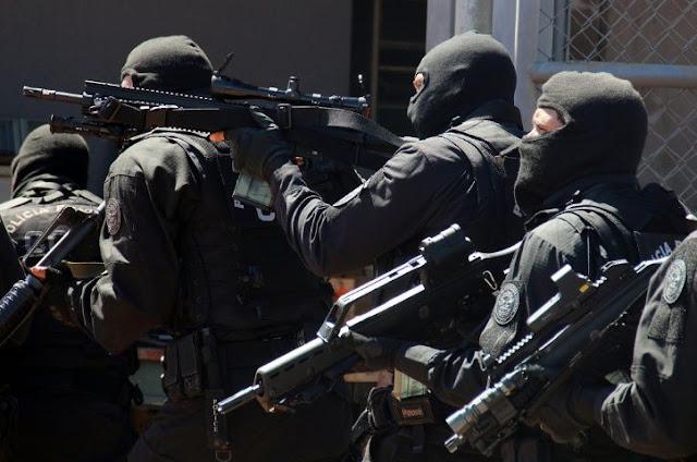 Capo de la mafia es ejecutado de un disparo en la cabeza y una cuchillada en el ojo tras emboscada por contras