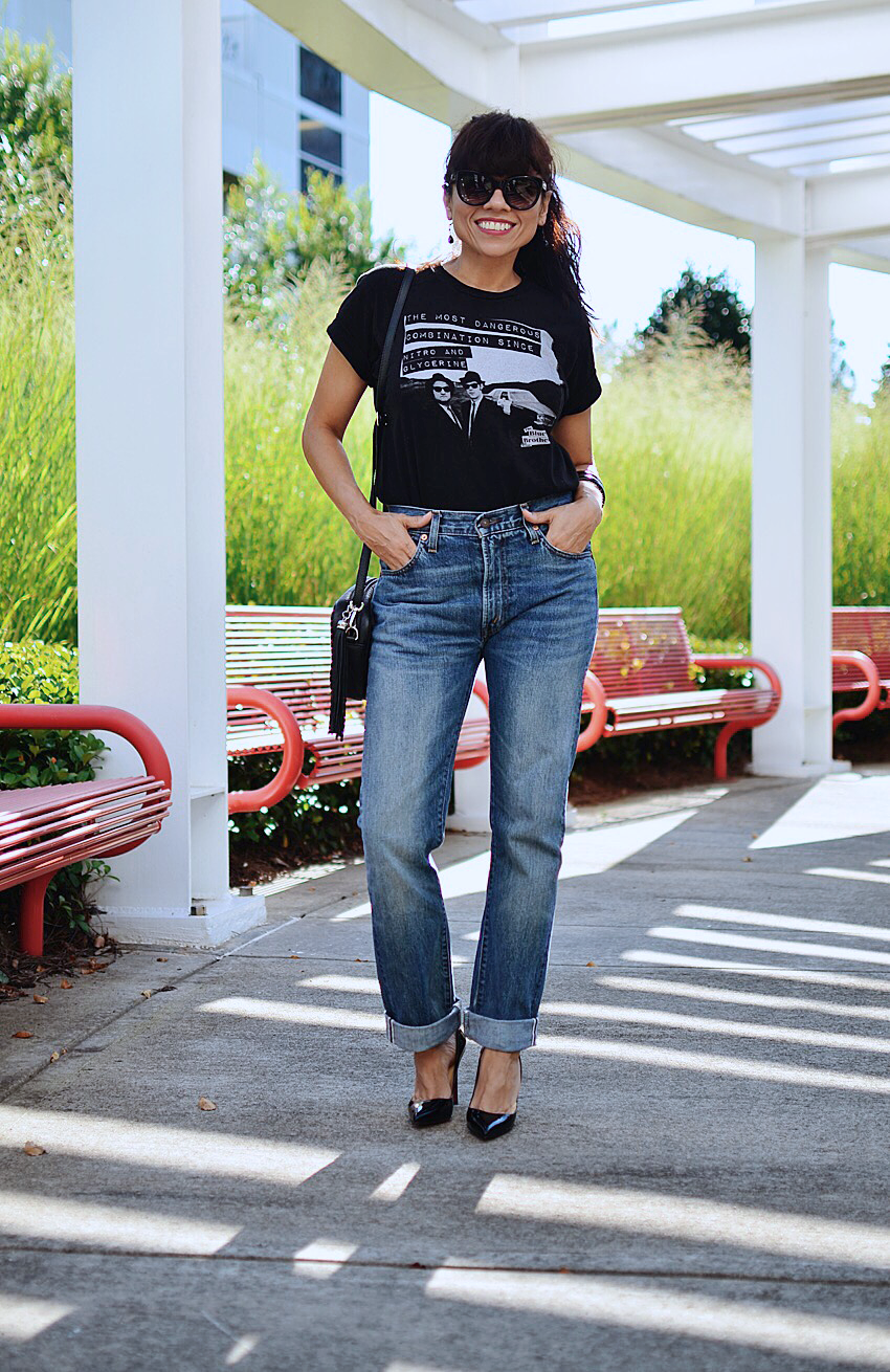 Outfit with graphic tee and jeans