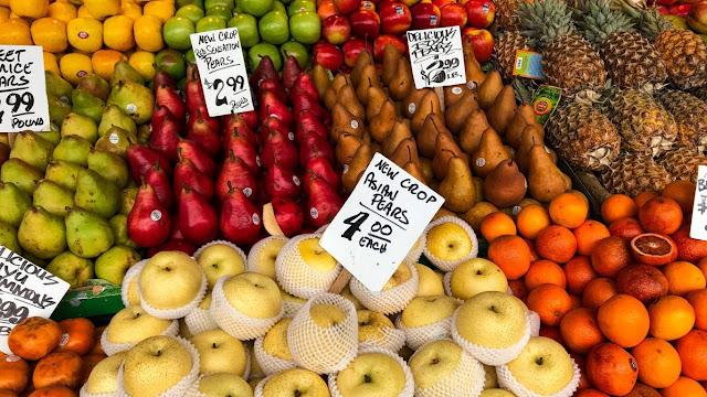 Ilustrasi harga buah di pasar