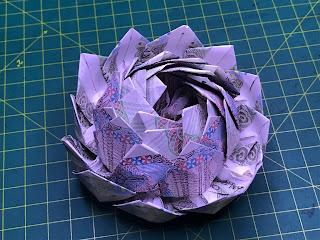 hướng dẫn cách gấp hoa bằng tiền giấy hoa sen