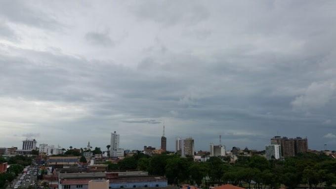 CHUVA: Previsão indica céu nublado, chuvas e maré de até 2,6 metros.