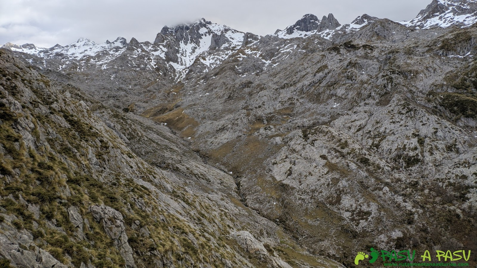 Al río Junjumia, en Picos de Europa Ruta-alto-gurbi%25C3%25B1ales-camin-de-la-madera-_20200209_160423