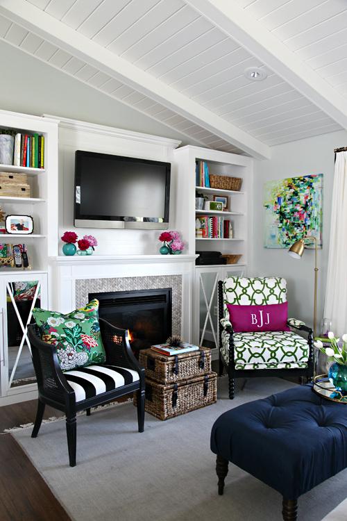 http://1.bp.blogspot.com/-2dpyvoLTmqs/VUmLFulm5LI/AAAAAAAA84M/BMaJXlR3eao/s1600/ORC_Living_Room_Reveal_1.jpg