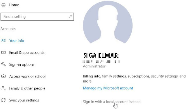 """Windows 10, Paramètres, Comptes. Pour passer votre compte Microsoft au compte local, cliquez sur """"Connectez-vous avec un compte local""""."""