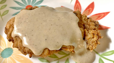 Quick and easy best southern country cream gravy recipe on fried steak