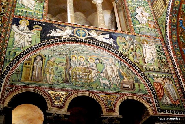 Mosaico bizantino representa o Sacrifício de Isaac, Basílica de San Vitale, em Ravena, Itália