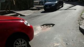 Que lombada estranha é essa na  Rua Belmonte?