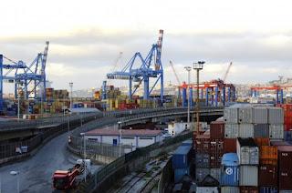 Napoli inquina il porto o il porto inquina Napoli?