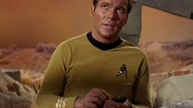 O comunicador do capitão Kirk foi uma espécie de previsão do telefone celular Foto: CBS, GettyImage