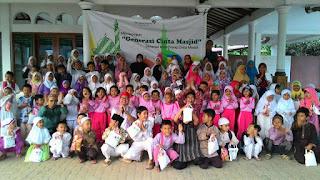 Kak Tony Pendongeng Saghabat Dongeng Cinta Masjid Permata Bank